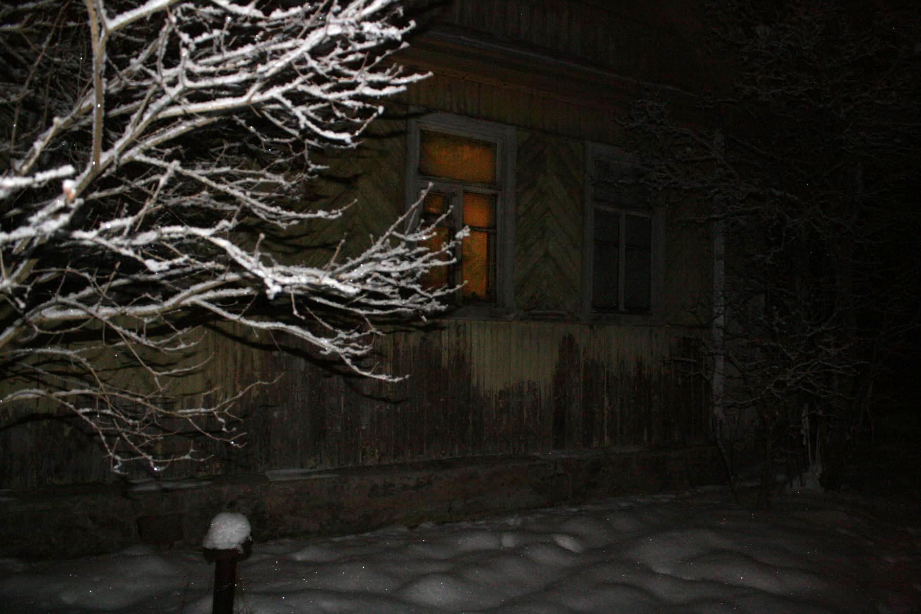 Окно в темноте