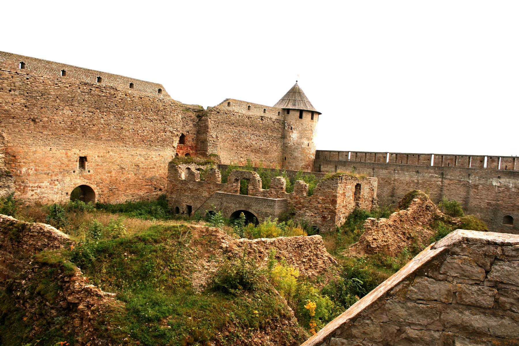 Замок с другой стороны