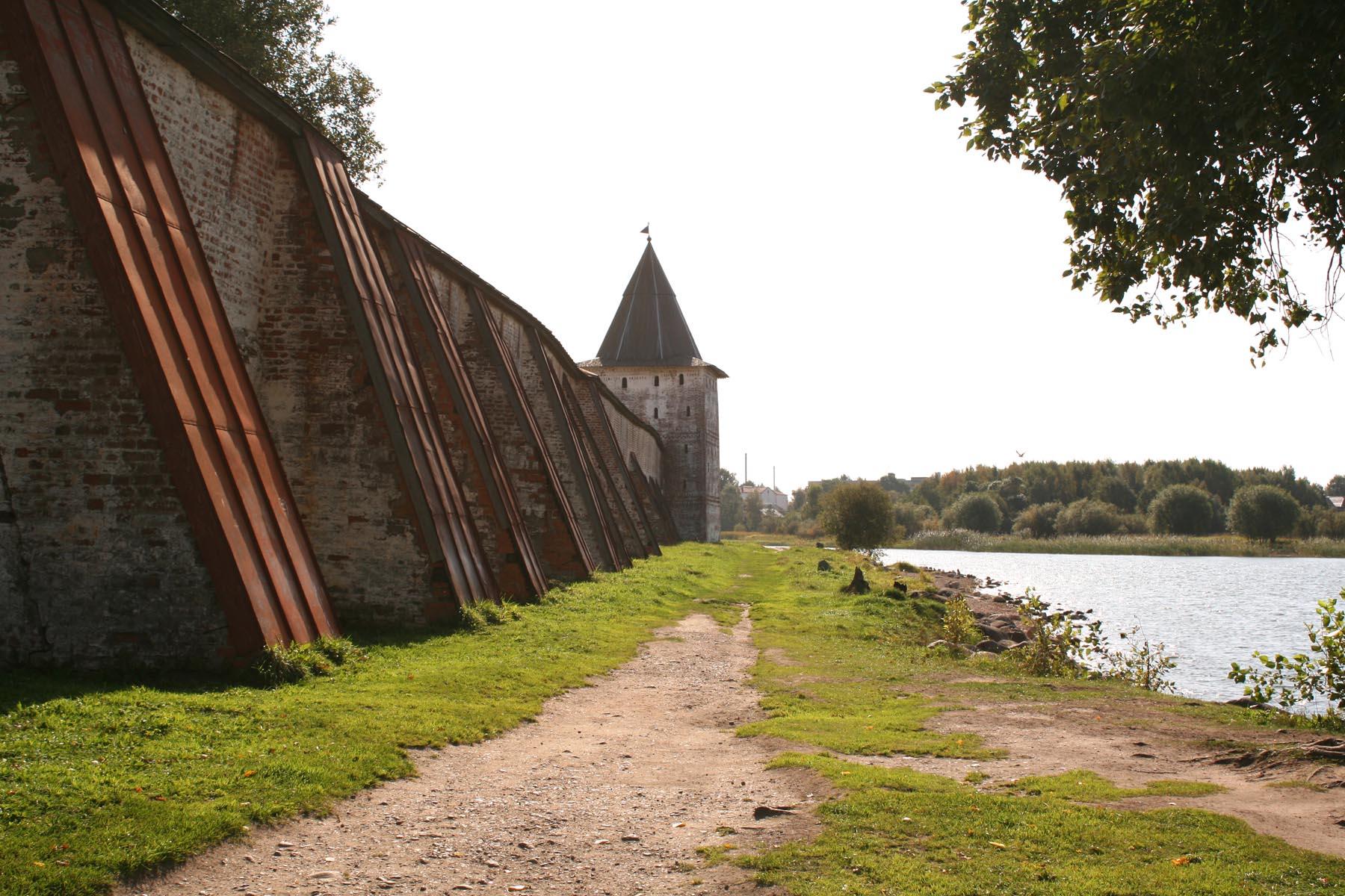 Свиточная башня