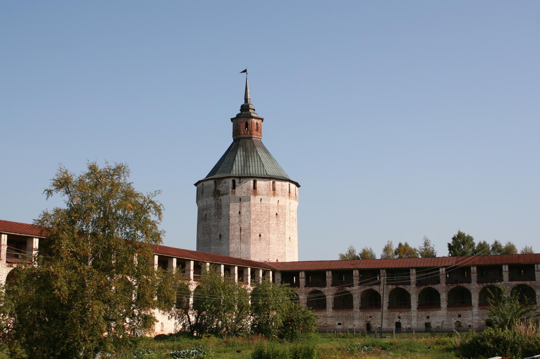 Московская (Ферапонтовская) башня