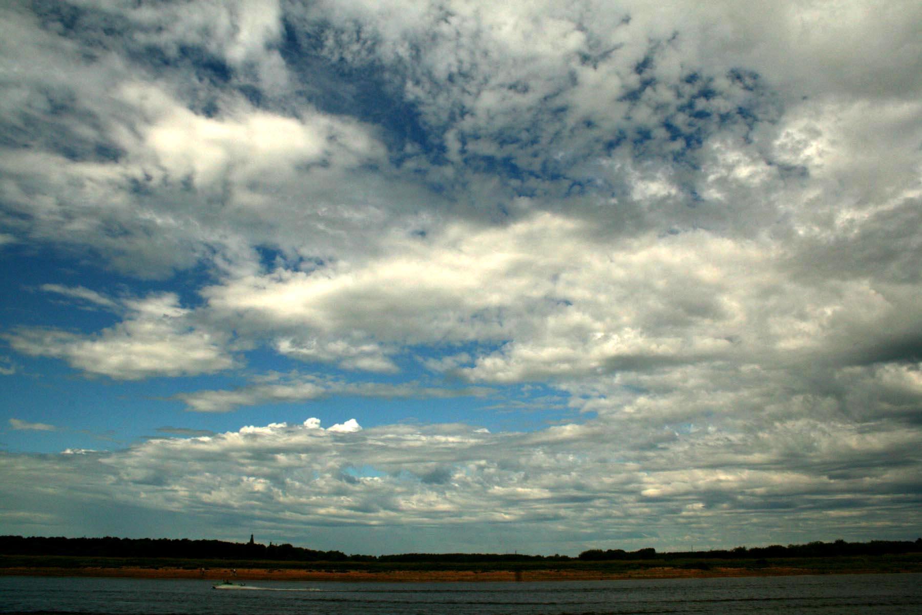Небо над Волховом