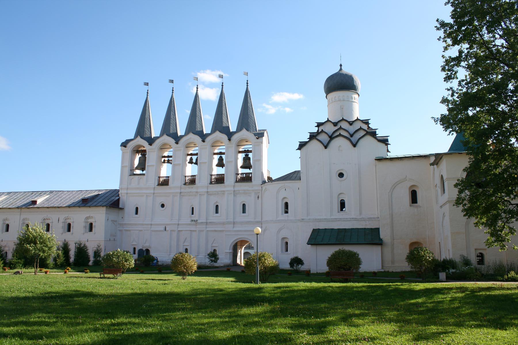 Покровская церковь и звонница