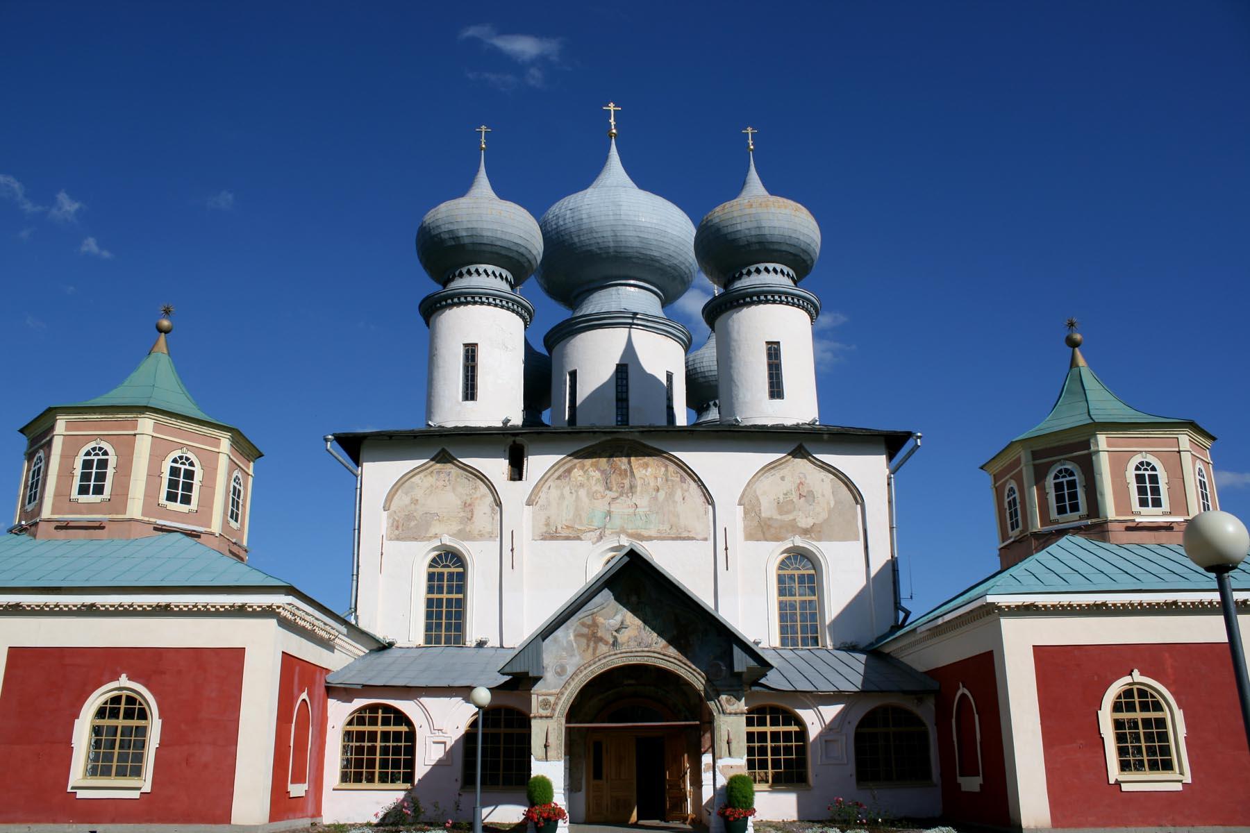 Успенский собор вблизи