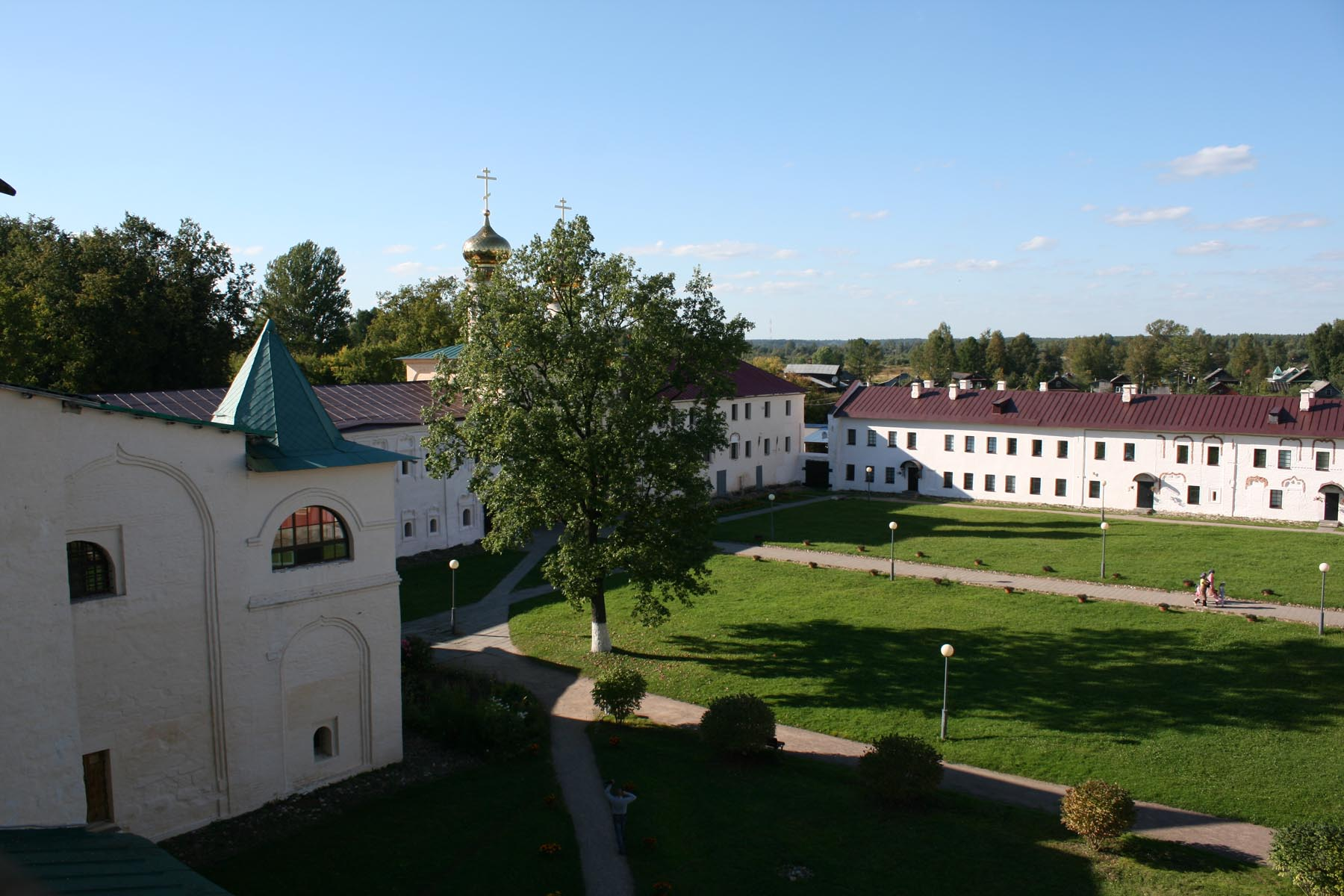 Монастырский двор со звонницы