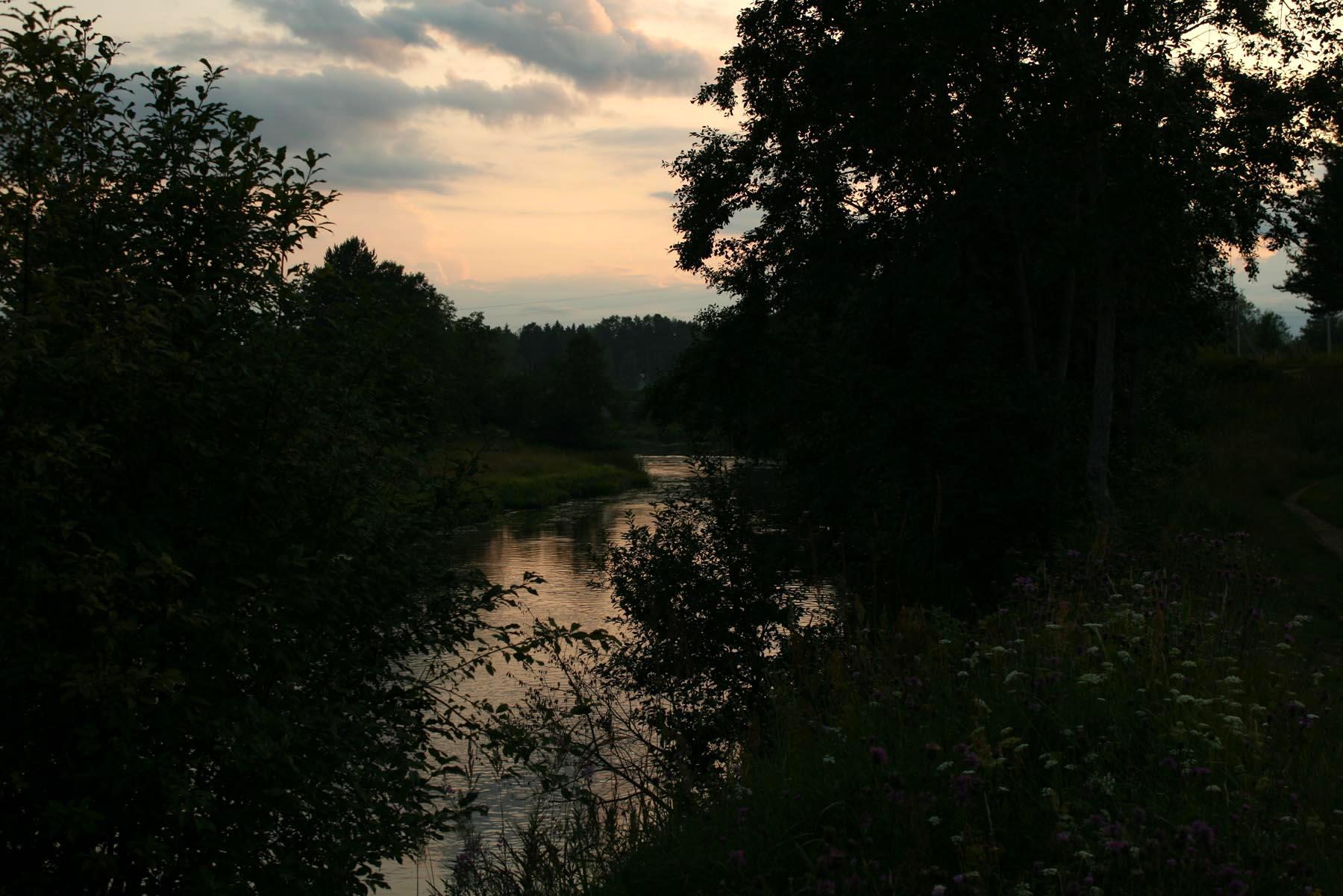 Сумерки над рекой